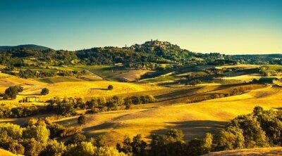 Obraz Toskánsko léto, středověká vesnice Montepulciano. Siena, Itálie