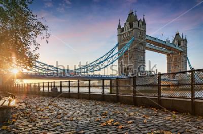 Obraz Tower Bridge v Londyně, Velká Británie, během zlatého východu slunce