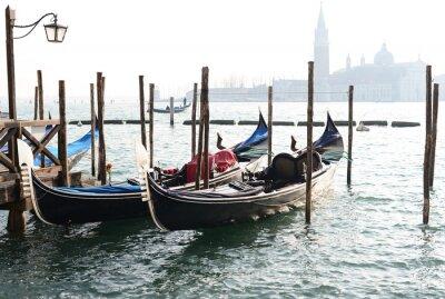 Obraz Tradiční Gondola na Canal Grande se San Giorgio Maggiore kostela
