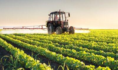 Obraz Traktor stříkání sója