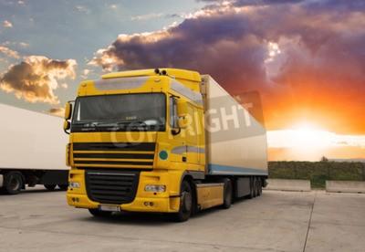 Obraz Truck - nákladní doprava se sluncem