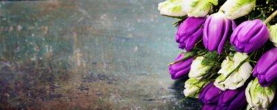 Obraz Tulipány na dřevěném pozadí