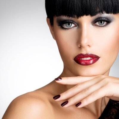 Obraz Tvář ženy s krásnými tmavými drápy a sexy červené rty