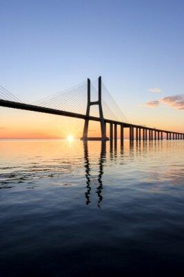 Obraz Vasco da Gama most, svítání v Lisabonu
