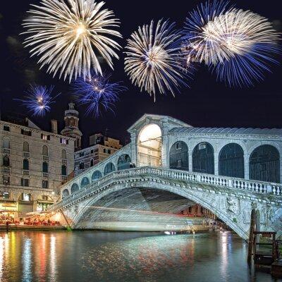 Obraz Venice Italy, ohňostroj nad mostu Rialto v noci