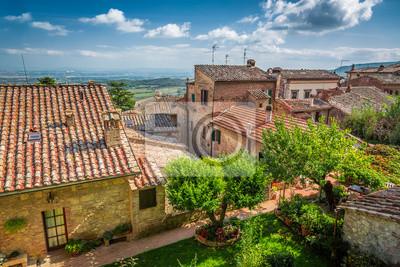 Vintage město v Toskánsku, Itálie