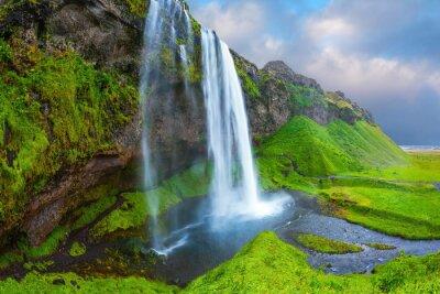 Obraz Voda protéká rychlým proudem