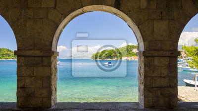výhled na pobřeží Jaderského moře v Cavtatu, Dalmácie