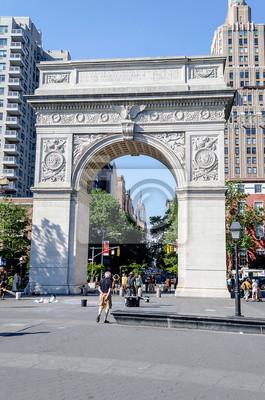 Washington Square Arch a Empire State Building v dist