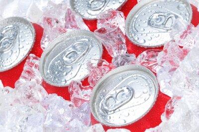 Obraz Zblízka Soda Plechovky v ledu