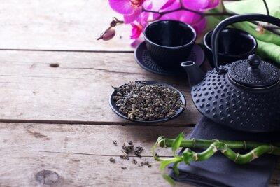 Obraz Zelený čaj v misce a tradiční asijské čajovým servisem na věku dřevěný