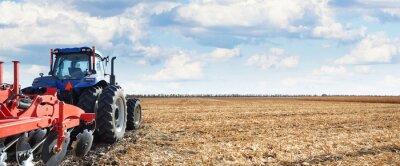 Obraz Zemědělská technika pracuje v terénu