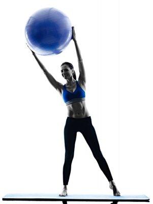 Obraz žena pilates míč cvičení fitness izolované