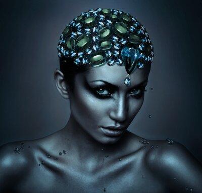 Obraz žena s drahokam hlavou