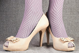 a0d73461b66 Dámské nohy s retro boty obrazy na stěnu • obrazy část těla ...