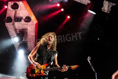 Plakát 24.dubna 2010 - Moskva, Rusko - americká rocková kapela Metallica účinkovat živě na stadionu Olimpiysky.