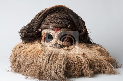 c40238c1b7a Africká maska. s vlasy. samostatný na bílém pozadí. plakáty na zeď ...