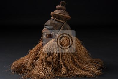 69b459fd4d8 Plakát Africké dřevěné masky. S vlasy. Izolovaných na černém pozadí.
