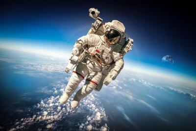 Plakát Astronaut ve vesmíru
