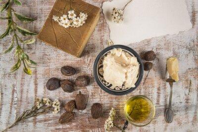 Plakát Bambucké máslo s výrobkem a ořechy bambucké