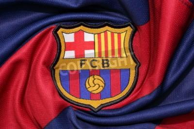Plakát BANGKOK, Thajsko -AUGUST 30 2015: logo Barcelona fotbalového klubu na oficiální dres dne 30. srpen 2015 v Bangkoku Thajsko.