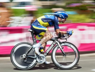 Plakát Beaurouvre, Francie 27. července 2012: výseče obraz belgického cyklisty Nick Nuyens (Saxo Bank Thinkoff Bank) na koni v průběhu 19. ETAPA časovce mezi Bonneval a Chartres o