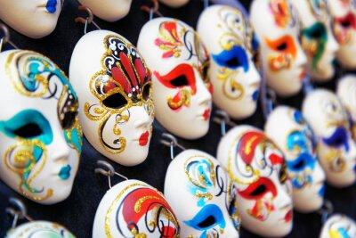 Plakát Benátská celoobličejové masky pro karneval v obchodě, Benátky, Itálie