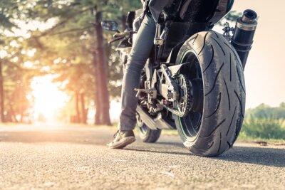 Plakát biker a motocyklů připraven k jízdě