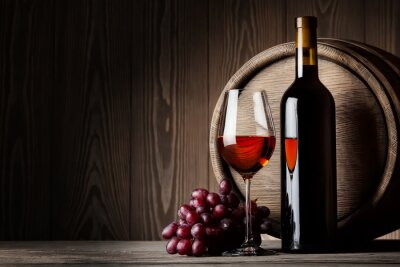Plakát Černými láhve a sklenice červeného vína s hroznovým vínem a barel