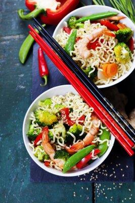 Plakát Čínské nudle se zeleninou a krevetami