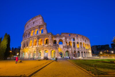 Plakát Colosseum v noci v Římě, Itálie