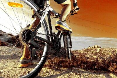 Plakát Deportes. Bicicleta de Montaña y hombre.Deporte en exteriér