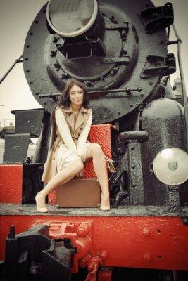 Plakát dívka sedí na vinobraní ve vlaku