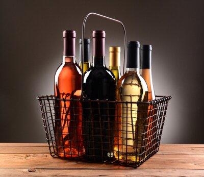 Plakát Drátem Nákupní koš naplněný Lahve Na víno