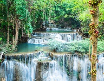 Plakát Hlubokém lese vodopád v Huay Mae Kamin, Kanchanaburi, Thajsko