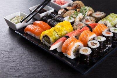 Plakát Japonský mořské plody sushi set