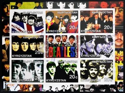Plakát KIRZIGUISTAN - cca 2001 Collection známky vytištěné v Kirziguistan ukazuje Beatles, circa 2001