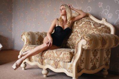 Plakát Krásná blondýnka v sexy prádle