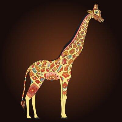 Plakát Krásná dospělá žirafa v Boho. Ručně malovaná ilustrace okrasné žirafa. Barevný žirafa na ornamentální pozadí.