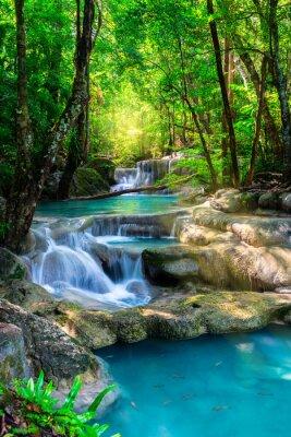 Plakát Krásný vodopád v Thajsku tropických lesů