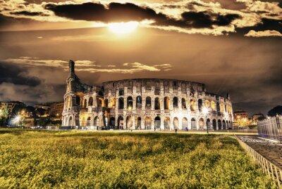 Plakát Krásný výhled na Koloseum v noci