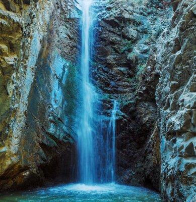Plakát Millomeris Waterfall Rock Cave, pohoří Troodos