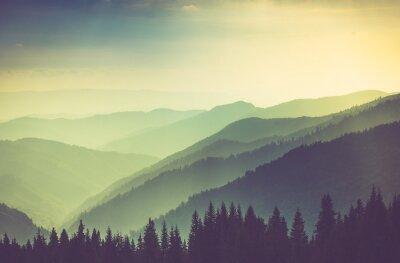 Plakát Misty letní horské vrchy terén.