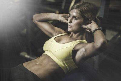 Plakát Mladá žena fit excecising ingym