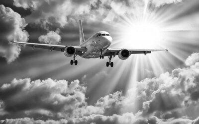 Plakát Osobní letadlo vzlétnout z drah proti krásné zamračená s
