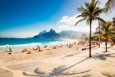 Plakát Palmy a dva bratři hora na pláži Ipanema, Rio de Janeiro