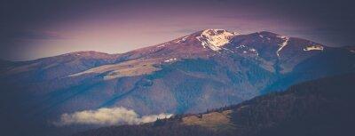 Plakát Panoramatický horská krajina na jaře.