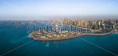 Plakát Panoramatický pohled na ruské kolo na ostrově Bluewaters v Dubaj, Spojené arabské emiráty