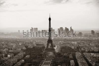 Plakát Paříž město střešní pohled s Eiffelovou věží černé a bílé.