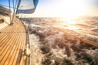 Plakát Plachtění na slunce. Luxusní jachta.